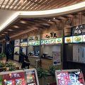 写真:談合坂サービスエリア(上り線) フードコート