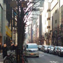 並木と柳が2丁目でクロスします