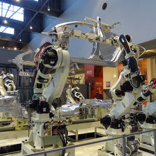 ロボットによる組み立て