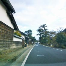 日本の道100選にも選ばれている歴史街道なのよー