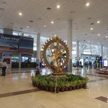 チェンナイ国際空港 (MAA) クチ...