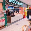 写真:マクドナルド イオン箕面店