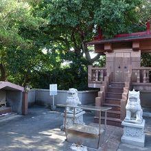 一番奥の社殿。