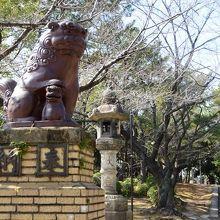 陶器製の狛犬