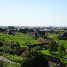 竪穴住居を復元