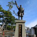 写真:堀尾吉晴公の像