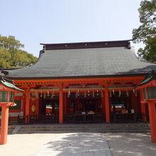 国の重要文化財の本殿。