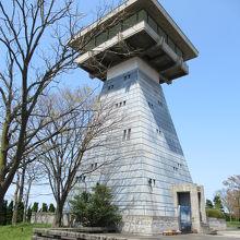 無料で登れる「富山港展望台」