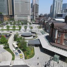 屋上庭園から東京駅丸の内を撮影