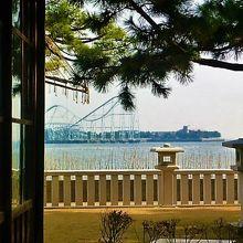 和室の窓から海が!…150年後は`八景島シーパラダイス`