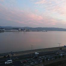 ホテルの部屋の窓から見た宍道湖