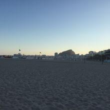 海岸線を歩いてリオを実感