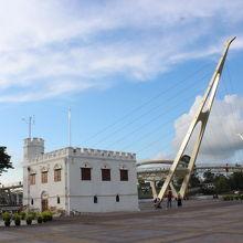 ゴールデンブリッジは新しい観光ポイントになっていました。