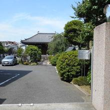 本駒込駅の近くにある天台宗寺院