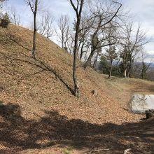 山梨県の城跡巡り:新府城跡、大手の馬出