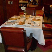 豪華な一等食堂