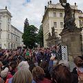 写真:プラハ城の衛兵交代式