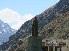 カズベキ像