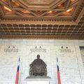写真:蒋介石の像
