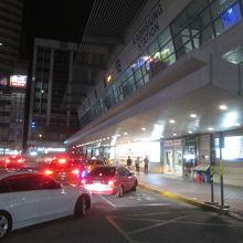 夜の高雄駅