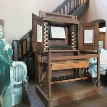 モーツァルトが演奏したオルガンがあります