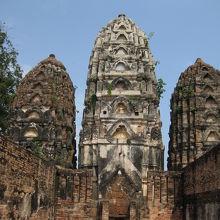クメール様式の3本の塔