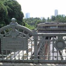迎賓館に合わせてフランス風に作られた橋だそうです