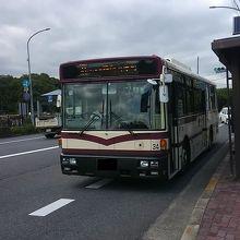 京都市内の遠距離路線を走るバス