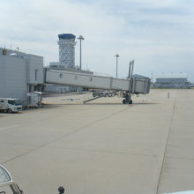 結構広い空港です
