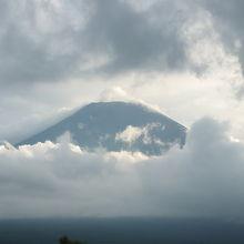 同じ場所からの富士山