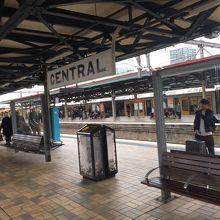 26番線まであるとても大きな駅