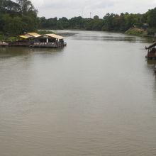 クウェー川は、メークロン川に、合流する支流でしたが、1960年、名称が変わりました。