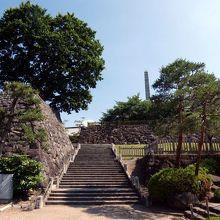 朝の甲府の散歩道 舞鶴城公園その1