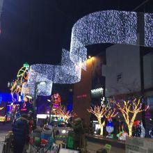 正月過ぎてもクリスマスのイルミネーション