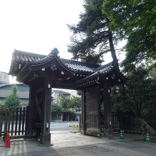 19世紀の歴史を伝える門