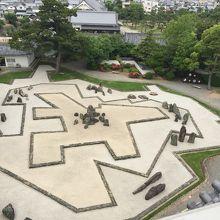 幾何学的な庭が綺麗