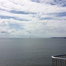 自慢の青い海が広がります