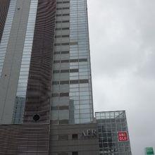 JR仙台駅からPARCO経由で歩道が繋がってます。