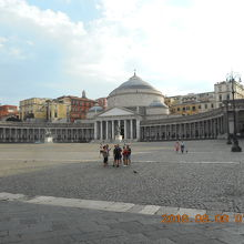 王宮前の市民の憩いの広場