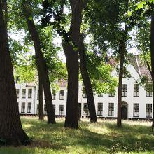 静寂の中にある修道院