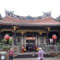 写真:龍山寺 前殿