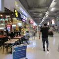 写真:スワンナプーム国際空港内レストラン