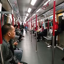 エアポートライン香港駅からアイ...