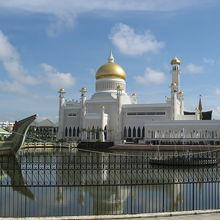 町中にあるモスク
