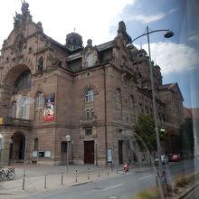 駅も歴史的建造物
