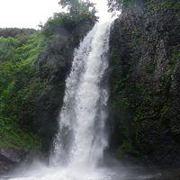雨竜沼湿原入口にある『白竜の滝』◆2011年7月の北海道は雨だった【その3】