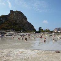 16日間の美食とビーチバカンスのシチリア!Vol28(第5日目午前) ☆エオリエ諸島:ヴルカーノ島(Vulcano) 温泉の島ヴルカーノで泥温泉と海水温泉に優雅(?)に浸かる♪