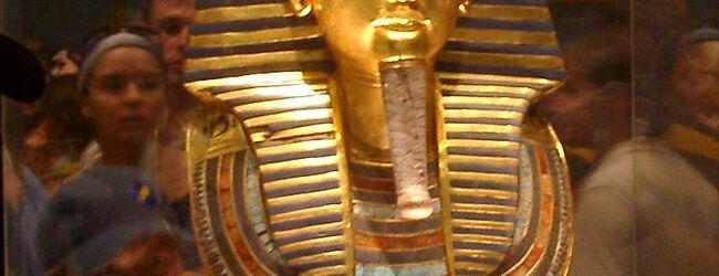 エジプト考古学博物館でツタンカーメンの...