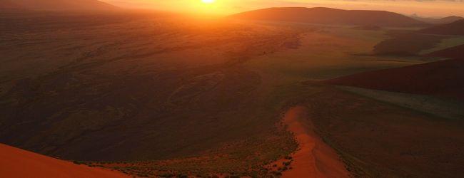 2012GW南部アフリカ5カ国旅行� ナミブ...