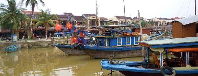 2度目のベトナムは正月のホイアンで伊勢う...